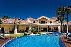 Abitazioni di lusso: allungamento dei tempi di vendita e calo dei prezzi